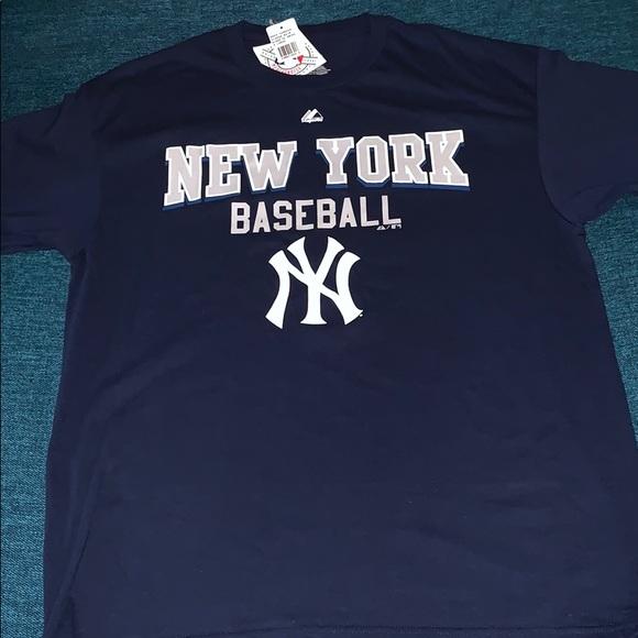huge discount 16306 85f74 NWT Majestic MLB NY Yankees BaseBall T-Shirt NWT
